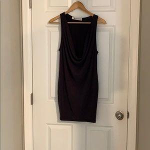 Razor body con dress. 64% Modal 36% Polyester